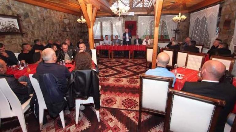Kandidatët për deputetë, Isa Agushi dhe Izmi Zeka kanë takuar veteranët e UÇK-së