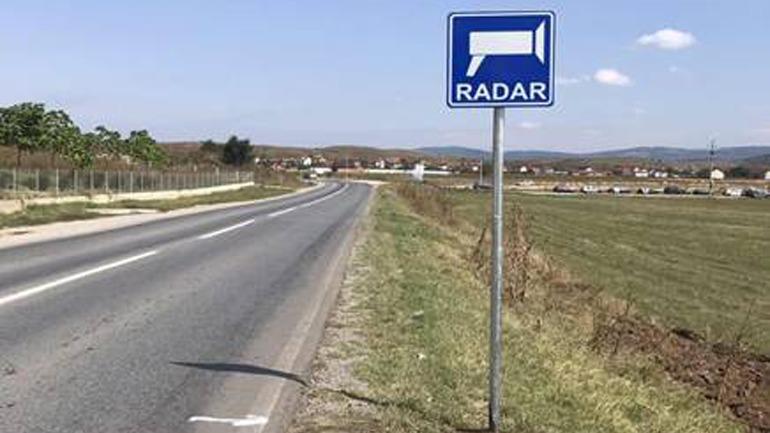 Policia e Kosovës realizon pilot projektin për vendosjen e shenjave të trafikut në komunikacion