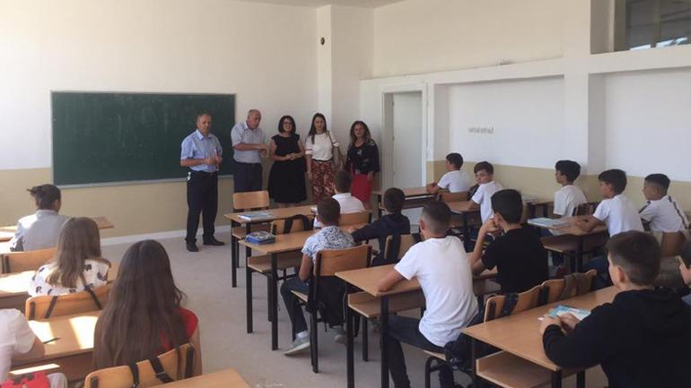 Në të gjitha shkollat e komunës së Vitisë filloi viti i ri shkollor