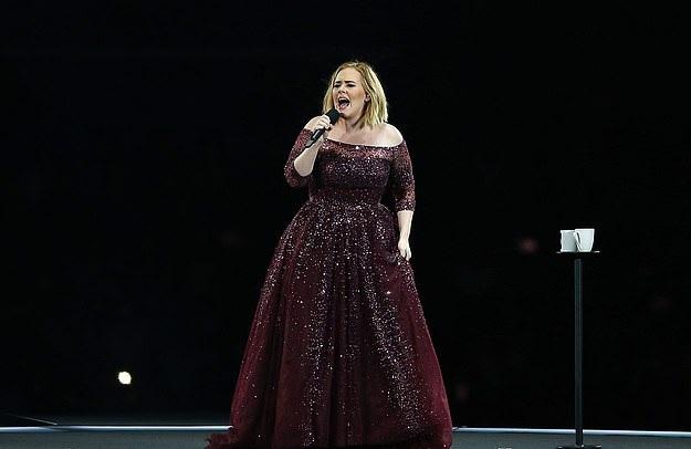 Pas katër vitesh pauzë, Adele gati të rikthehet në muzikë