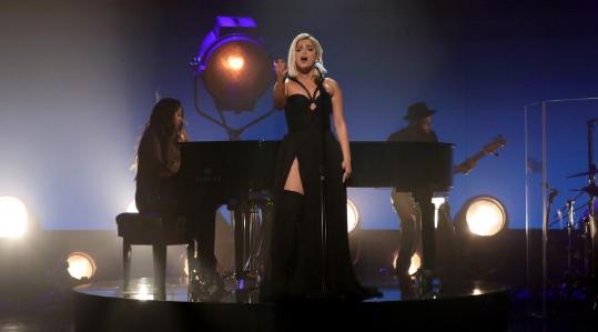Bebe Rexha performancë fantastike në emisionin amerikan 'The Ellen Show'