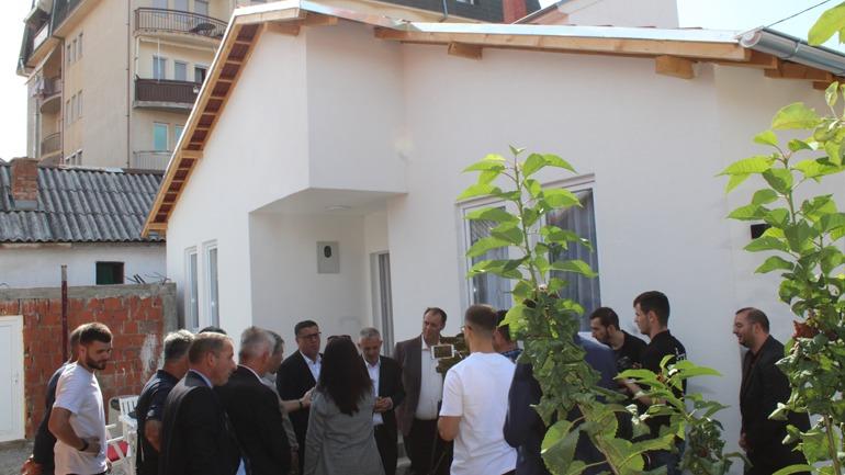 """Gjilani me """"Jetimat e Ballkanit"""" inaugurojnë 20 shtëpi për familjet në nevojë"""