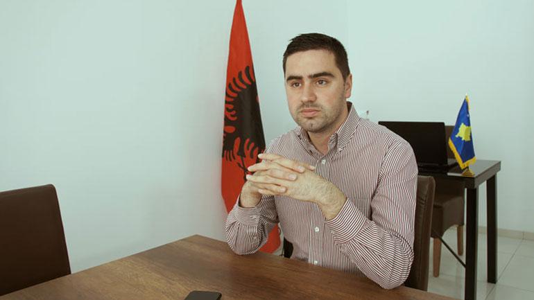 """""""Vatra"""" kritikon pushtetin në Gjilan për mungesë të trafikut urban"""