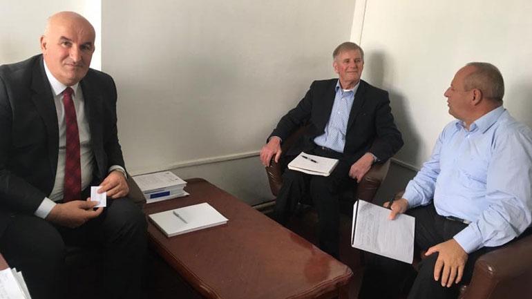 Kryetari i Vitisë bisedoi me ekspert ndërkombëtar rreth Master- Planit të Ujitjes