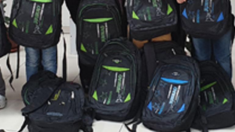 Këshilli i Bashkësisë Islame në Gjilan ndanë 200 çanta për nxënësit e shkollave fillore