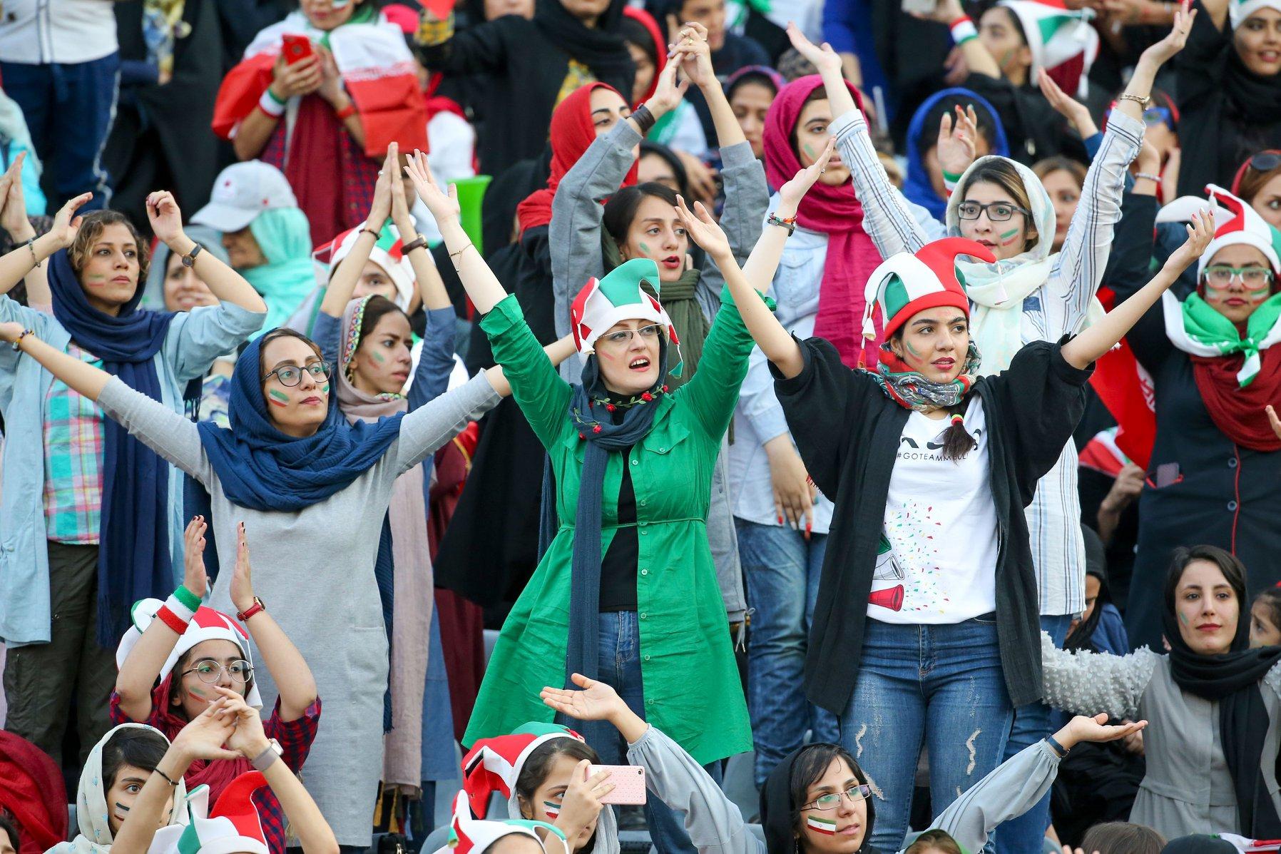 Pas 40 vitesh ndalesë, Irani lejon gratë të shikojnë futboll në stadium