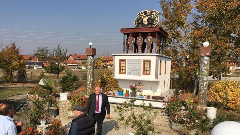 Kryetari i Vitisë sheh nga afër punimet në bustet e vëllezërve dëshmorë të UÇK-së Gursel e Bajram Sylejmani