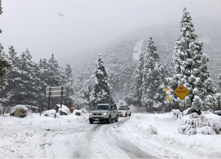 Stuhi bore në Kaliforni, reshje të vazhdueshme