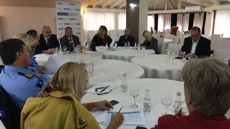 U mbajt tryezë për shqyrtimin e Draft Strategjinë komunale kundër dhunës në familje