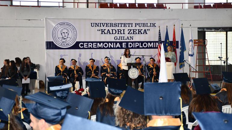Universiteti ''Kadri Zeka'' ka mbajtur ceremoninë e diplomimit të studentëve