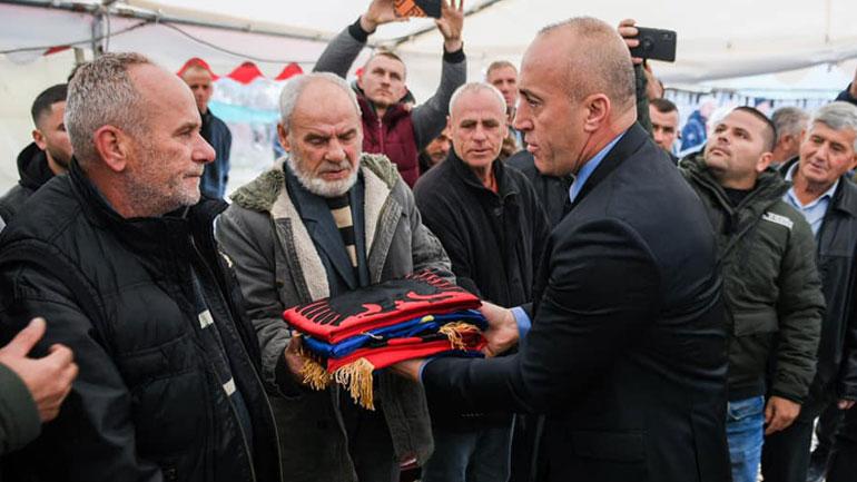 Haradinaj: Institucionet e vendit do t'i qëndrojnë në krah familjes Abazi
