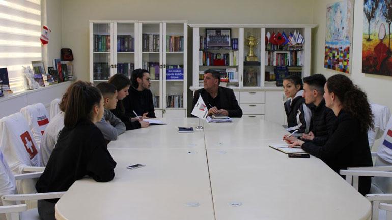 Haziri takohet me Këshillin e Nxënësve të Gjilanit për koordinim të aktiviteteve