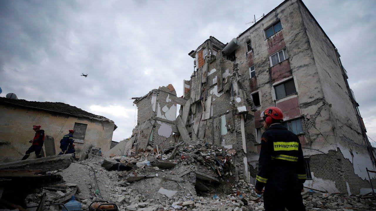 Futbollisti kosovar dhuron 12 mijë euro për të prekurit nga tërmeti në Shqipëri