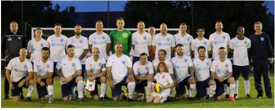 Tifozët anglezë dhe kosovarë zhvillojnë ndeshje miqësore