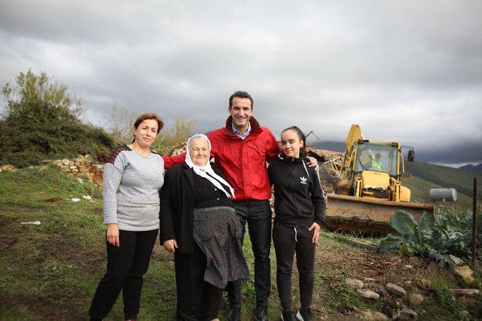 Rita mban fjalën, fillon ndërtimi i shtëpisë për familjen nga Shqipëria