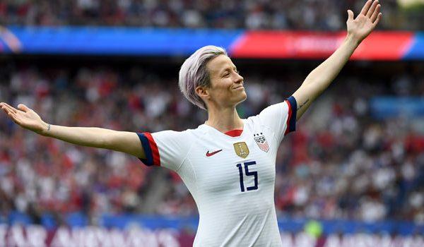 """Futbollistja amerikane, Megan Rapinoe fiton """"Topin e Artë 2019"""""""
