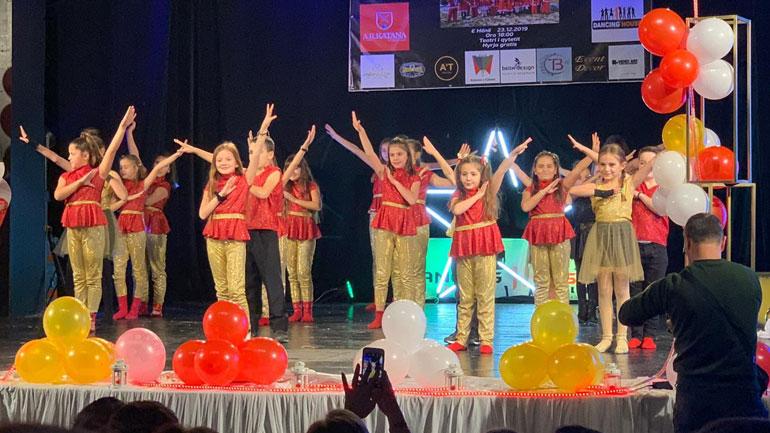 """""""Dancing House"""" me program festiv për fëmijë"""