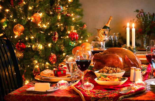 Si t'i hani 'të gjitha' ushqimet e darkës së fundvitit dhe të mos merrni shumë kalori? Ja disa ide