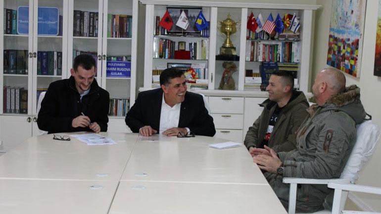 Bashkatdhetarët nga Gjermania dhurojnë mbi 3800 euro për familjen Abazi