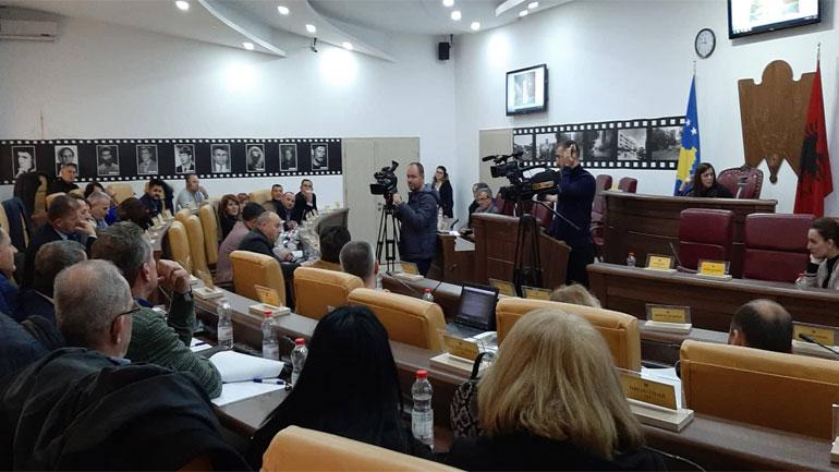 Opozita kërkon komision ekspertësh për gjetjen e lokacioneve tjera për varrezat e reja