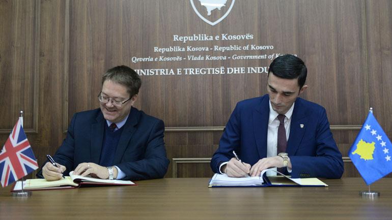 Kosova dhe Mbretëria e Bashkuar nënshkruajnë marrëveshje të partneritetit dhe tregtisë