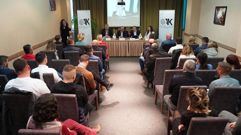 """Promovohet libri """"Nga zero në njëqind"""" i autorit Dritan Shpuza"""