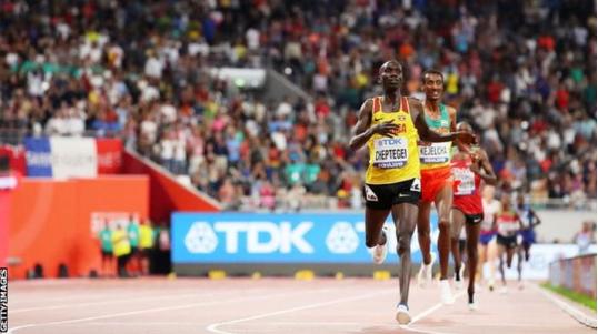 Thyhet rekordi botëror në 10 mijë metra vrapim