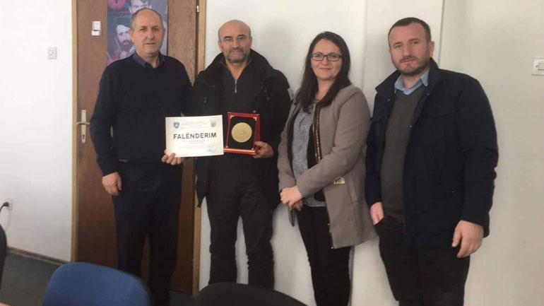 Aliu falënderon Prof. Rifat Haxhiun dhe Universitetin e Friburgut për donacionin e dhënë në vitin 2019