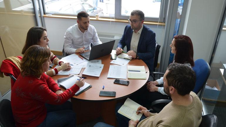 Kamenicë: Komiteti për Arsim, Kulturë, Rini dhe Sport ka mbajtur takimin e radhës