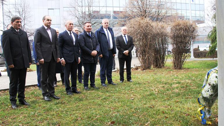 Ministri Rrustem Berisha merr pjesë në përkujtimin e holokaustit të hebrenjve