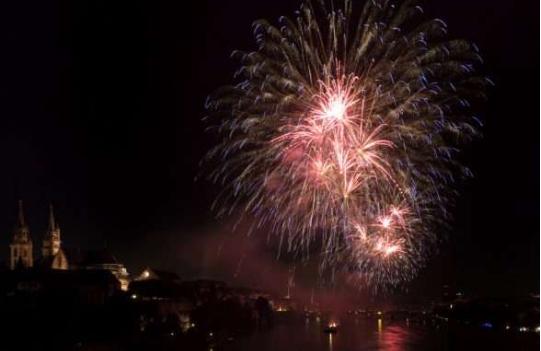 Si e festoi Zvicra Vitin e Ri me fishekzjarre jo të dëmshme për mjedisin?