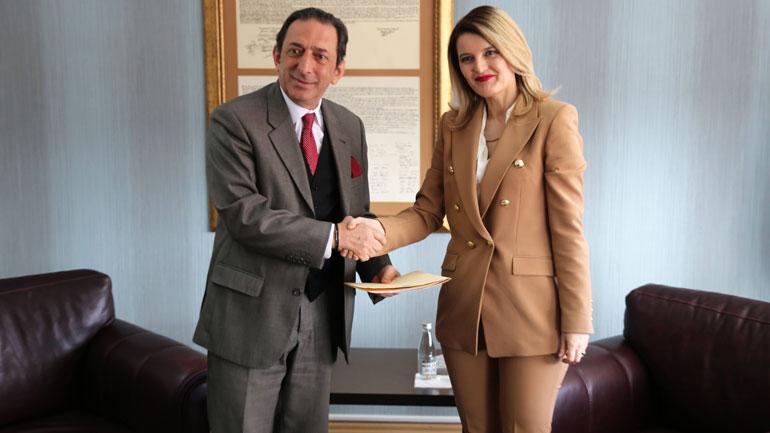 Blerim Reka pranon detyrën e Ministrit të Integrimit Evropian