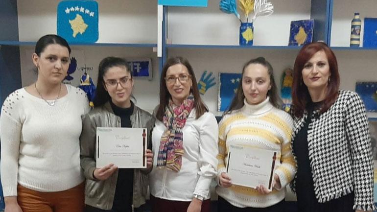 """Fizikanet e shkollës """"Thimi Mitko"""" vazhdojnë me suksese"""