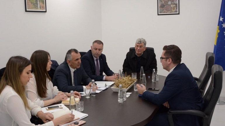 OAK adresoi kërkesat e sektorit minerar edhe tek Ministri Mustafa