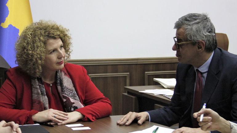 Ministrja Rozeta Hajdari u takua me përfaqësues të CEFTA-s