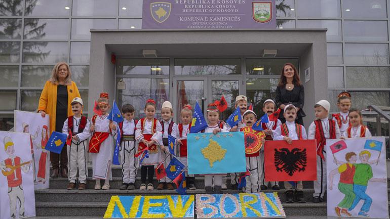 """Nxënësit e shkollës """"Fan Noli"""" vizitojnë Komunën e Kamenicës"""