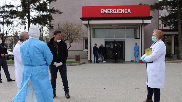 """Komiteti falënderon """"Elkos'in"""" për mbështetjen me një sasi ndihmash për Spitalin e Gjilanit"""