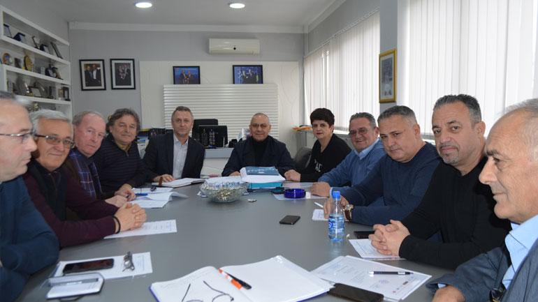 Komiteti Ekzekutiv i FFK-së analizoi rrjedhën e garave në Ipko Superligë dhe rangjet tjera