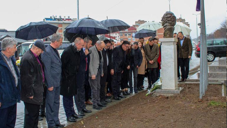 Lutfi Haziri: Në 30-vjetorin e LDK'së, gjunjëzohemi për sakrificën e burrave dhe grave të Gjilanit