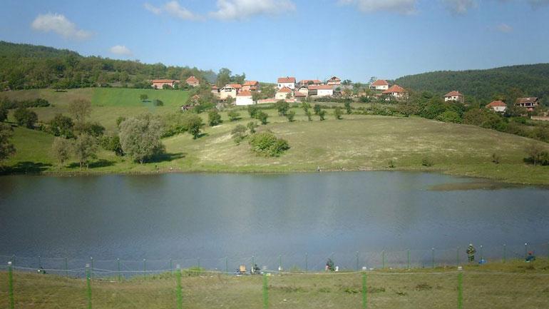 Gjilani në aksion për pastrimin e liqenit të Livoçit