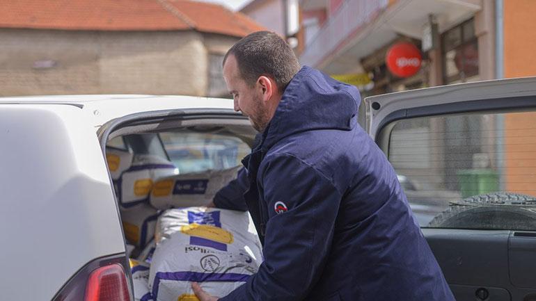 Shpërndahen 415 pako ushqimore për familjet në nevojë
