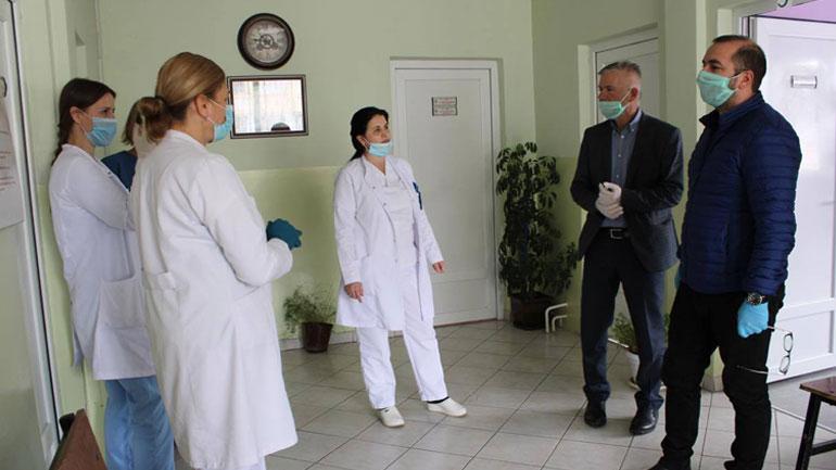 Ismajli: QMF'të e Gjilanit po punojnë me angazhim maksimal në luftë kundër Covid-19