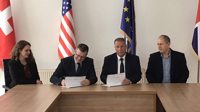 Komuna e Vitisë dhe Caritasi Zviceran arrijnë marrëveshje në fushën e edukimit dhe arsimit