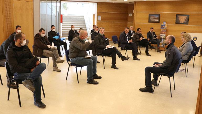 Ministrja Hajdari takon inspektoratet komunale për koordinim të zbatimit të urdhëresave