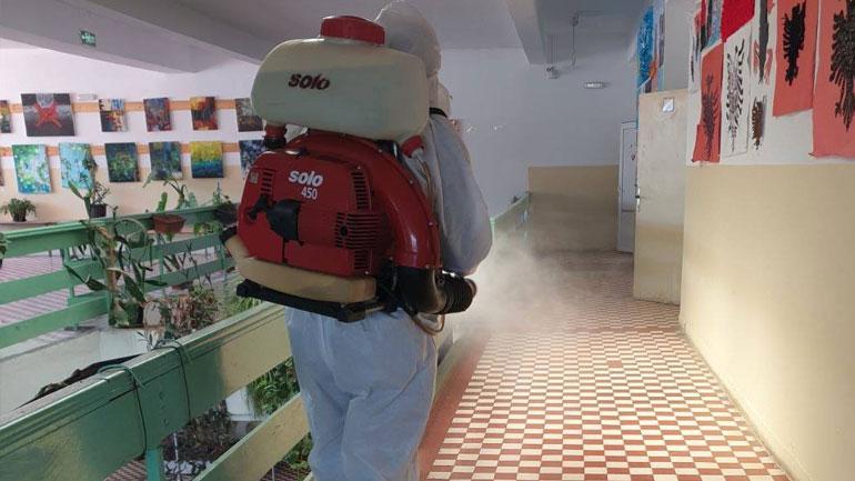 Komuna e Vitisë dezinfektoi hapësirat shkollore, shëndetësore dhe fetare në fshatra