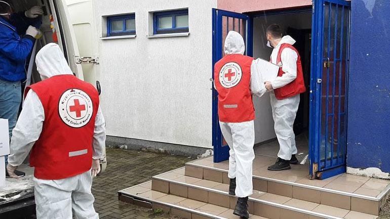 Kryqi i Kuq në Kamenicë ndihmon nënat vetëushqyes me pako ushqimore e higjenike