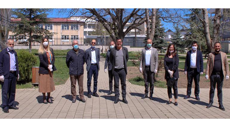 Shpresa Kurteshi – Emini i shpreh mirënjohje ekipit emergjent të Gjilanit për mobilizimin kundër pandemisë