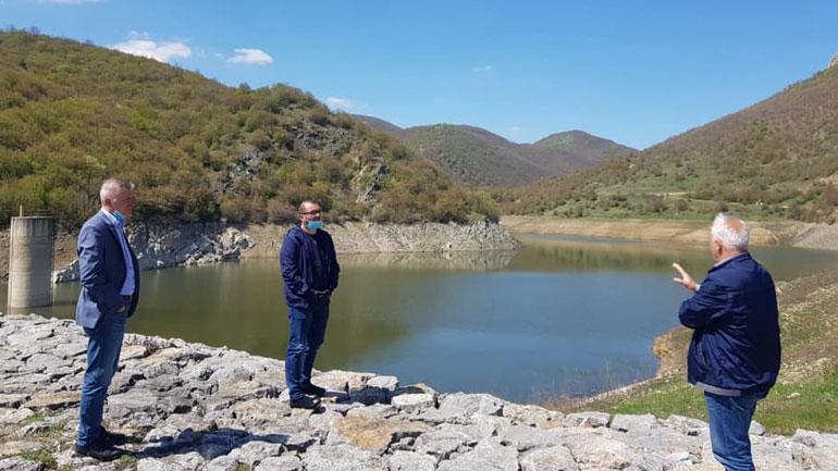 Niveli i ujit te Penda e Përlepinicës ngritët në mbi 20 metra