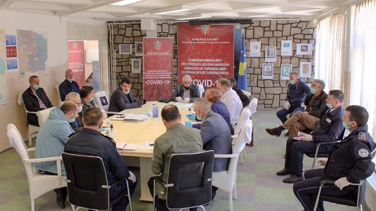 Kryetari Haziri kërkon nga bizneset që ta mbajnë distancën dhe t'i zbatojnë masat mbrojtëse në shërbime
