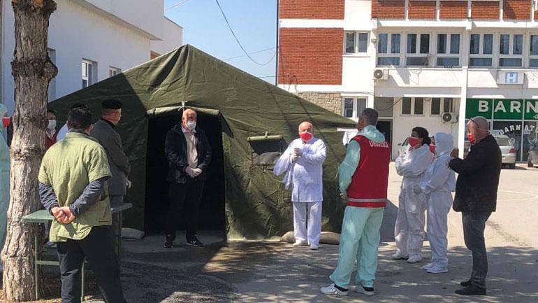 Kryetari i Komunës së Vitisë vizitoi stafin mjekësor të QKMF-së në Viti